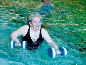 aqua-fit-older-woman-doing-aqua-fit.jpg